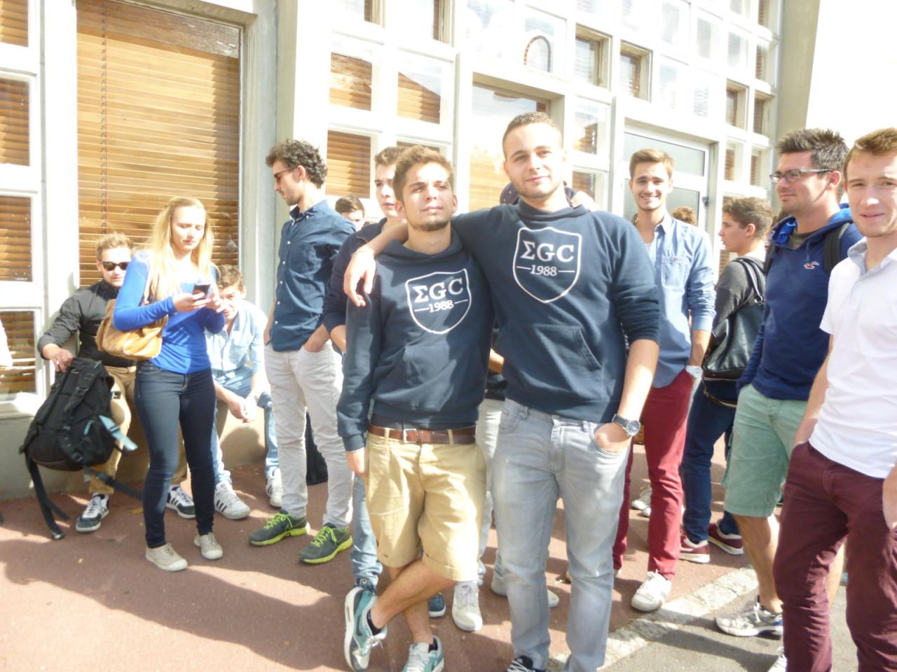 étudiants egc dans la rue