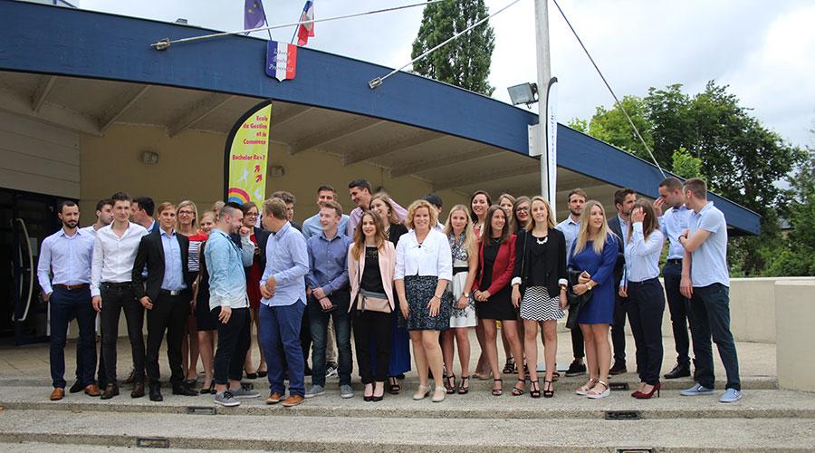 Photo souvenir des diplomés des EGC 2016